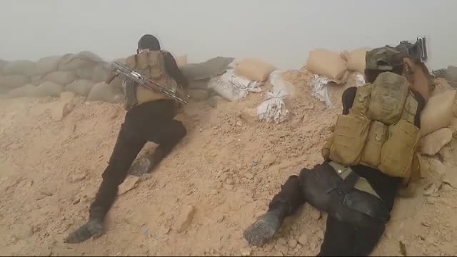 Iraqi army continue to launch operation against Daesh to retake Ramadi capital of western province of Anbar on 31 May 2015