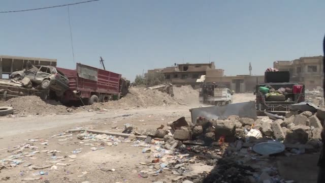 iraqi forces on thursday battled the last remaining islamic state group fighters in mosul's old city where the un said up to 20,000 civilians are... - civilian stock videos & royalty-free footage