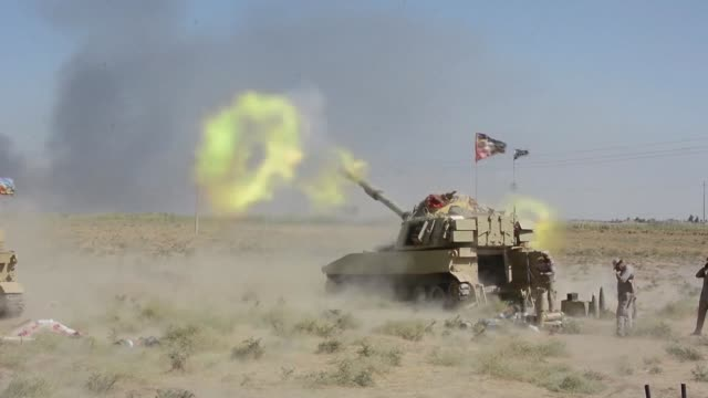 stockvideo's en b-roll-footage met iraqi forces pushed into the islamic state group stronghold of hawija on wednesday and seized some territory stepping up their assault against one of... - isis