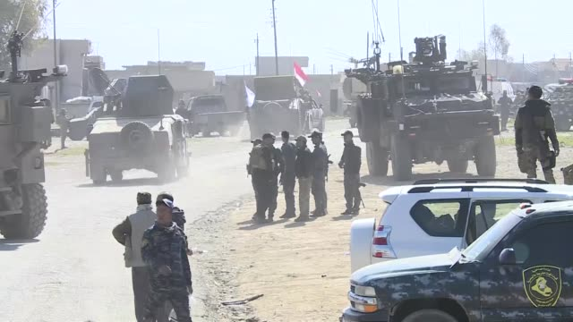 iraqi forces recapture mosul international airport in mosul iraq on february 23 2017 major general abdulaziz riza almusavi tells journalist that... - ブービートラップ点の映像素材/bロール