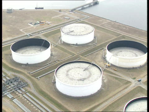 oil identification techniques netherlands rotterdam aerials oil storage tanks / aerials tanker at dock side / gvs oil storage tanks / 'kuwait... - kuwait stock videos and b-roll footage