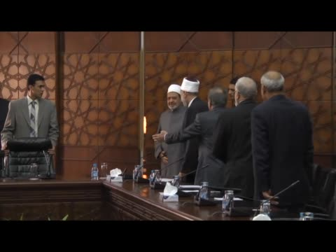 iraqi prime minister haider alabadi and iraqi delegation attend a meeting with alazhar grand imam sheikh ahmed eltayeb and egyptian delegation within... - iraqi prime minister stock videos & royalty-free footage