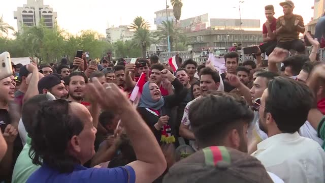vídeos de stock, filmes e b-roll de iraqi protesters demonstrate again in baghdad and basra over corruption and lack of basic services - basra