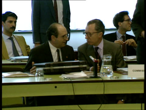 nato foreign ministers meeting: 02; nato ministers seated at table including jacques delors ; hans-dietrich genscher, greece delegation, spanish... - douglas hurd stock-videos und b-roll-filmmaterial