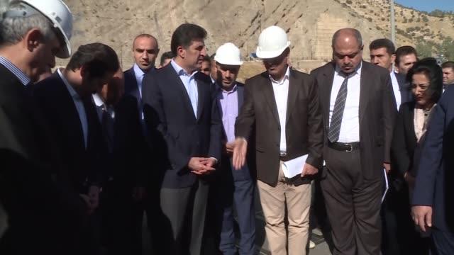 iraq's kurdish regional government prime minister nechirvan barzani visits areas struck by the sunday night's deadly earthquake in darbandikhan town... - イラク点の映像素材/bロール