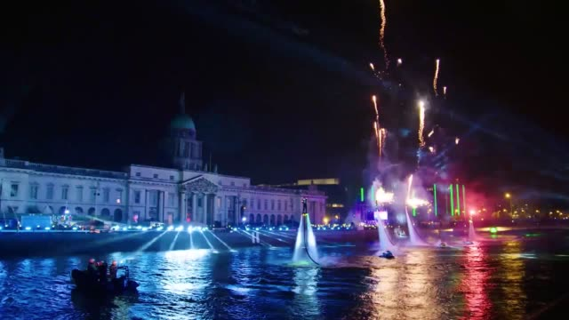 ireland's biggest ever new year's eve celebration lit up the skies in dublin as more than 15000 people gathered for the countdown to 2018 a... - 2018 stock videos & royalty-free footage