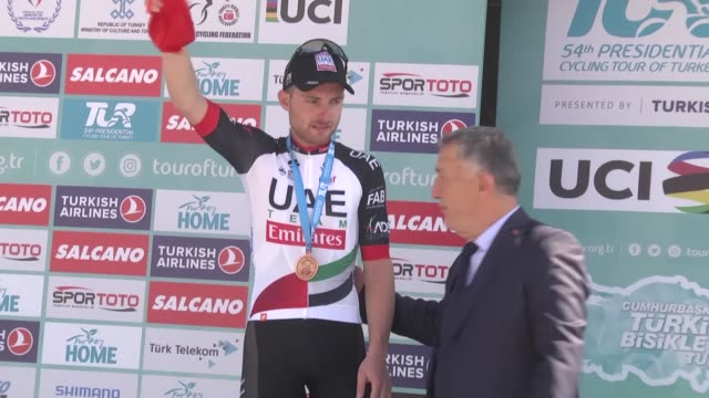 Ireland's Sam Bennett won the second stage of the 54th Presidential Cycling Tour of Turkey on October 10 2018 in southern Antalya province's Alanya...
