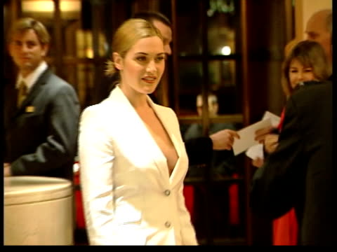 iris film premiere england london cms actress kate winslet attending film premiere of 'iris' pull out side cms winslet standing next brother joss ms... - kate winslet stock-videos und b-roll-filmmaterial