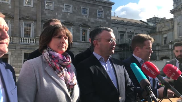 irish agriculture minister dara calleary has resigned after attending an indoor golf society event with 80 other people. a number of other... - landwirtschaftsminister stock-videos und b-roll-filmmaterial