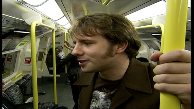 vídeos de stock, filmes e b-roll de irish singer songwriter writes entire album about the tube chris singleton interview sot there are so many different lives and so many people / so... - título de álbum