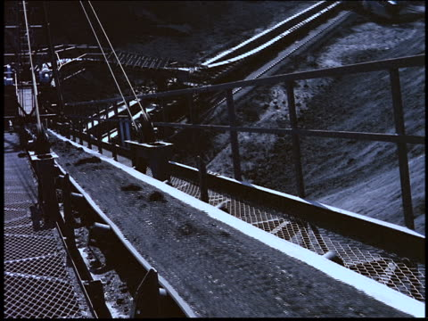 iron ore moving on conveyor of excavator / brazil - natural phenomenon stock videos & royalty-free footage