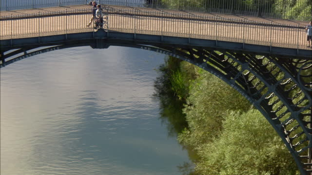 aerial, zo, ironbridge george, shropshire, england - ironbridge shropshire stock videos & royalty-free footage