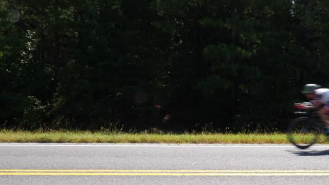 vídeos y material grabado en eventos de stock de ironman 70.3 men bike race in chattanooga, tn - moving past