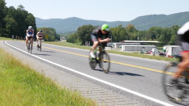 ironman 70.3 men bike race - cinque persone video stock e b–roll