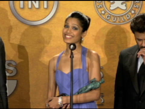 irrfan khan, dev patel, freida pinto and anil kapoor for slumdog millionaire outstanding performance by a cast in a motion picture at the 15th annual... - screen actors guild awards stock-videos und b-roll-filmmaterial