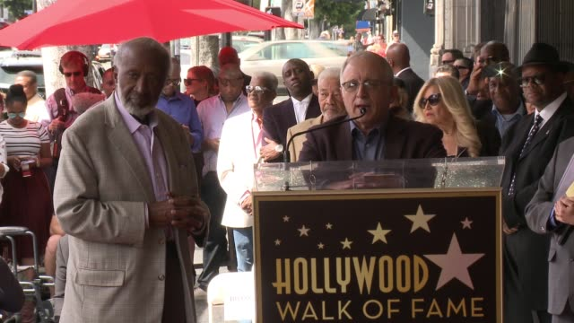 stockvideo's en b-roll-footage met speech irving azoff at clarence avant honored with star on the hollywood walk of fame on october 07 2016 in hollywood california - irving azoff