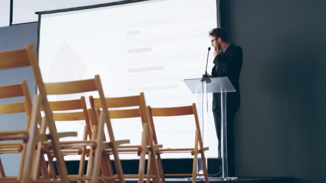 Is het te laat om te annuleren de toespraak?