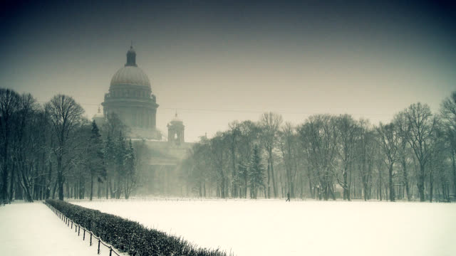'Isaakievskii sobor' Cathedral in Saint Petersburg at winter