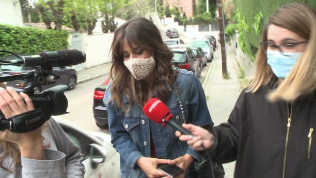 isabel jiménez denies that sara carbonero is in love again - サラ カルボネロ点の映像素材/bロール