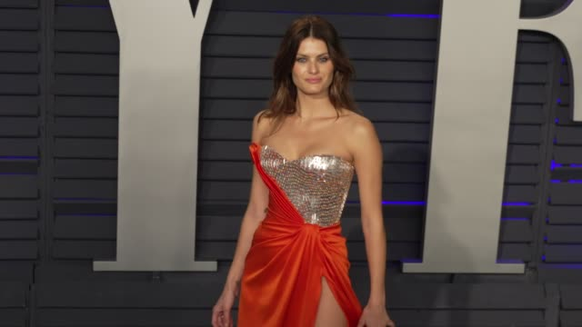 isabeli fontana at 2019 vanity fair oscar party hosted by radhika jones at wallis annenberg center for the performing arts on february 24, 2019 in... - vanity stock videos & royalty-free footage