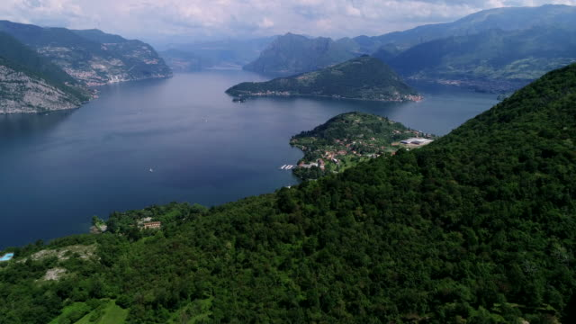 iseo lake, lombardy, italy - lago video stock e b–roll
