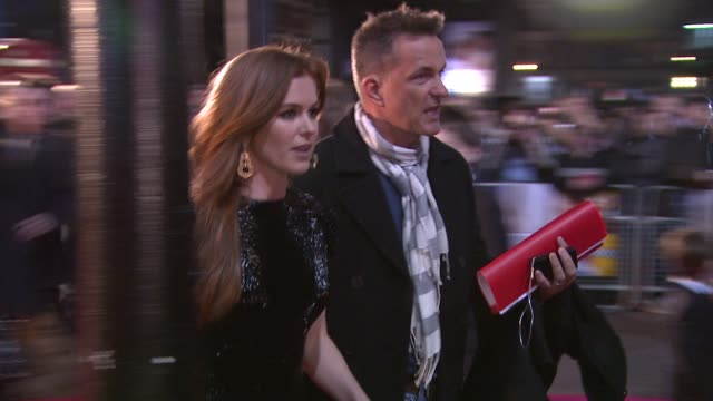 isla fisher at the confessions of a shopaholic uk premiere at london . - shopaholic stock-videos und b-roll-filmmaterial