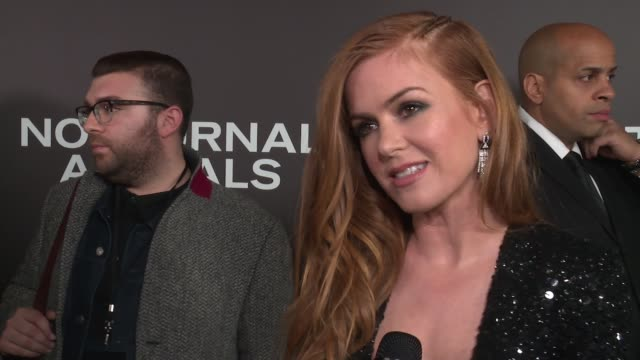 INTERVIEW – Isla Fisher on Tom Ford being a wonderful storyteller on the movie being a cautionary tale on being a realist at 'Nocturnal Animals' New...