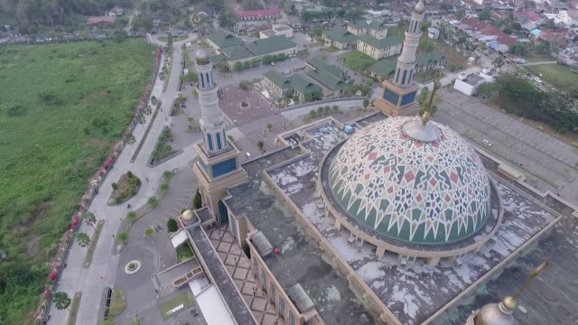 islamic centre mosque samarinda, borneo indonesia. - kalimantan stock videos and b-roll footage