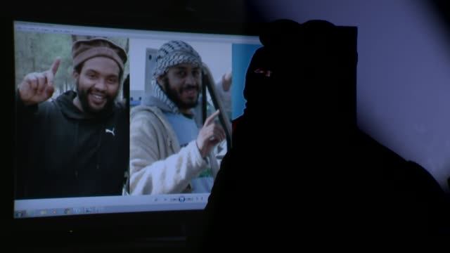 islamic state militant implicated in hostage killings named as briton alexanda kotey gir int anonymous interview vocied by an actor sot - 人質点の映像素材/bロール