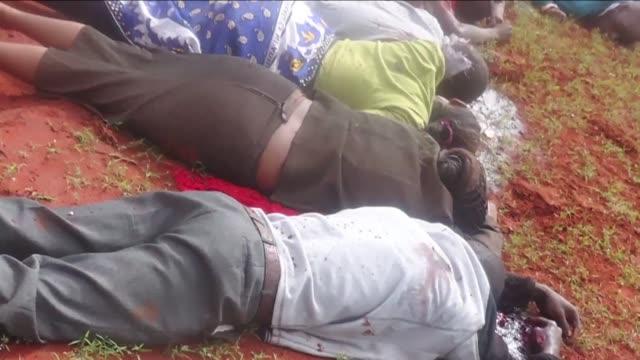 vídeos y material grabado en eventos de stock de islamistas shebab somalies ejecutaron este sabado en kenia a 28 pasajeros no musulmanes de un autobus como venganza por el cierre esta semana de... - el cuerno de áfrica
