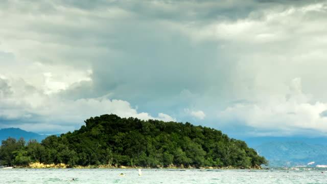 island in sabah, borneo. time lapse - sabah state bildbanksvideor och videomaterial från bakom kulisserna
