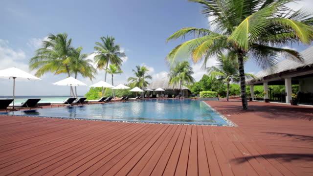 vídeos de stock e filmes b-roll de island pool scenery - objeto manufaturado