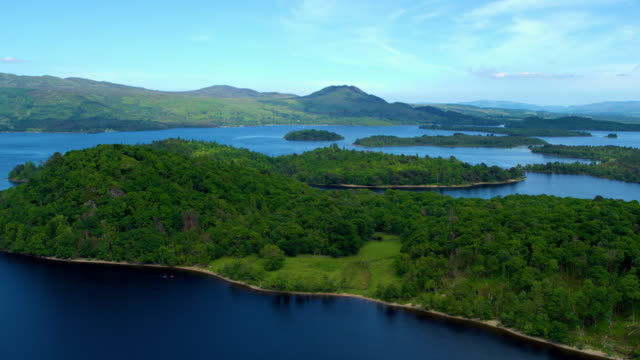 islands in large lake, loch lomond , scotland - scottish culture bildbanksvideor och videomaterial från bakom kulisserna