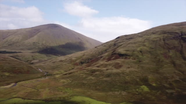 isle of mull drone aerials view of valley floor - scottish highlands stock videos & royalty-free footage