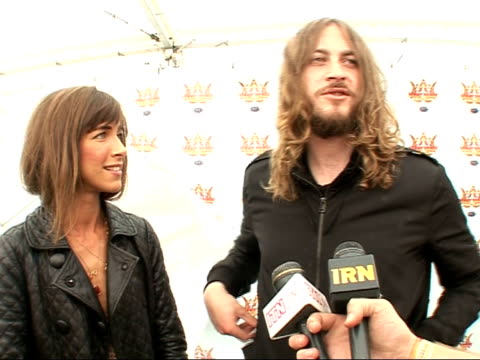 vidéos et rushes de interview with indie rock band the zutons abi harding and dave mccabe interview sot [**contains some swearing**] on ian brown injuring himself / on... - rock moderne