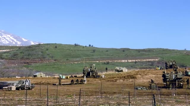 stockvideo's en b-roll-footage met israel deploys its military forces including soldiers and armored military vehicles near the border with lebanon along the israeliannexed golan... - israëlisch leger