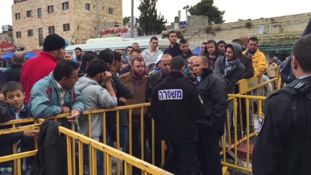 israel reopened jerusalems flashpoint al aqsa mosque compound friday ahead of the weekly muslim prayers after a rare closure following clashes... - weekly stock videos and b-roll footage