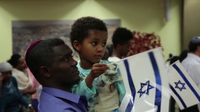 israel welcomed on sunday evening 64 ethiopian migrants, the first group of a total of 9,000 ethiopians called to immigrate over the next five years... - ethiopia stock videos & royalty-free footage