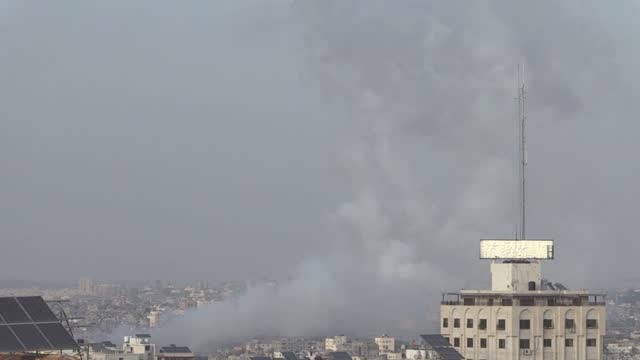 """israeli army on monday reported seven rockets fired from gaza towards jerusalem. """"we continue our warning to those in jerusalem and its environs... - striscia di gaza video stock e b–roll"""
