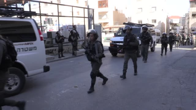 """vídeos de stock e filmes b-roll de israeli forces destroy two palestinian houses belong to jamal alian in occupied east jerusalem on the grounds that they were """"unlicensed"""" on december... - israel"""