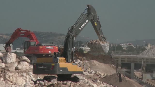 stockvideo's en b-roll-footage met israeli officials gave final approval thursday to 153 east jerusalem settler homes the deputy mayor said adding to a sharp increase in such projects... - oost jeruzalem
