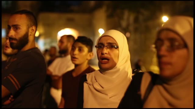 israeli police on friday dispersed dozens of palestinians protesting the closure of all the gates of al-aqsa mosque in the old city of jerusalem... - occurrence stock videos & royalty-free footage