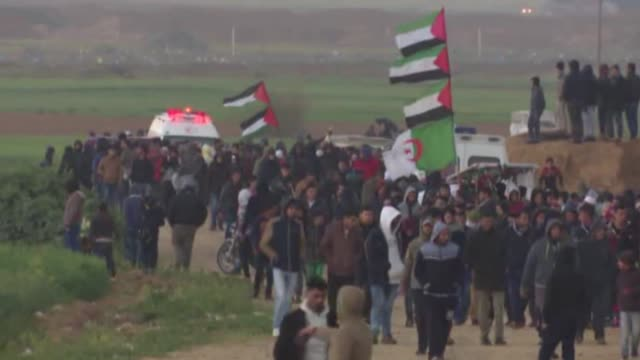 """israeli security forces intervene in palestinian protesters during the """"great march of return"""" demonstration near the gaza–israel border in khan... - historical palestine stock videos & royalty-free footage"""