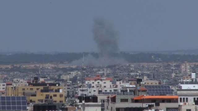 israeli warplanes on saturday continued attacking the blockaded palestinian gaza strip, targeting five more sites affiliated with palestinian... - gaza strip stock videos & royalty-free footage