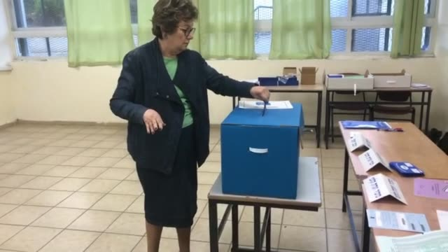 israelis began voting in a high stakes election that will decide whether to extend prime minister benjamin netanyahu's long right wing tenure despite... - benjamin netanyahu stock videos & royalty-free footage