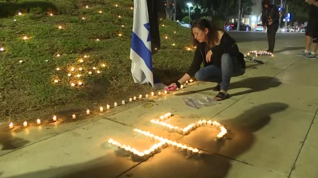 stockvideo's en b-roll-footage met israelis hold a ceremony to honour victims of a stampede that killed at least 45 people at a jewish pilgrimage site, one of the nation's worst... - israël