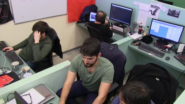 israelis working on computers in cybersecurity startup companies located at the technology park in the southern city of beersheba israel on january... - oracle corporation stock-videos und b-roll-filmmaterial