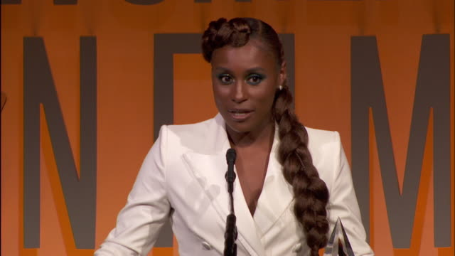 speech issa rae at 2019 women in film annual gala presented by max mara with additional support from partners delta air lines and lexus at the... - delta air lines stock-videos und b-roll-filmmaterial