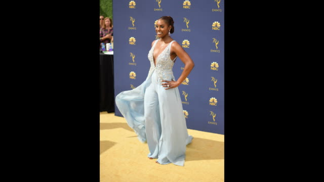 vídeos de stock, filmes e b-roll de issa rae attends the 70th emmy awards at microsoft theater on september 17 2018 in los angeles california - 70th annual primetime emmy awards