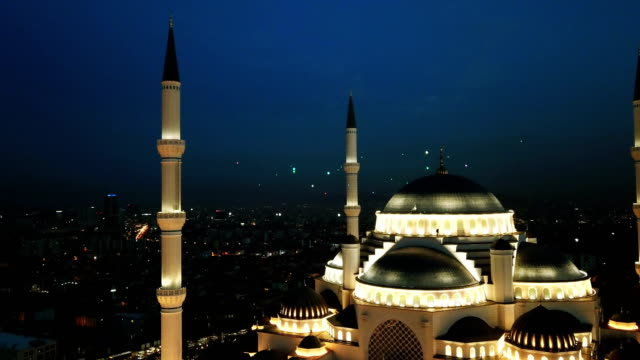istanbul camlica mosque and bosphorus aerial drone view - minareto video stock e b–roll